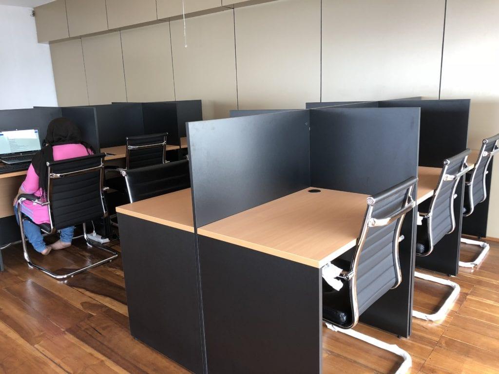 Office desk for rent in Colombo, Sri Lanka